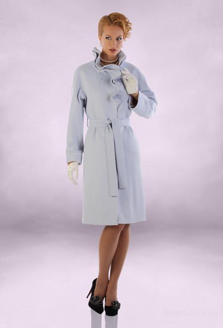 Межсезонные скидки на коллекцию женских пальто Осень 2011.