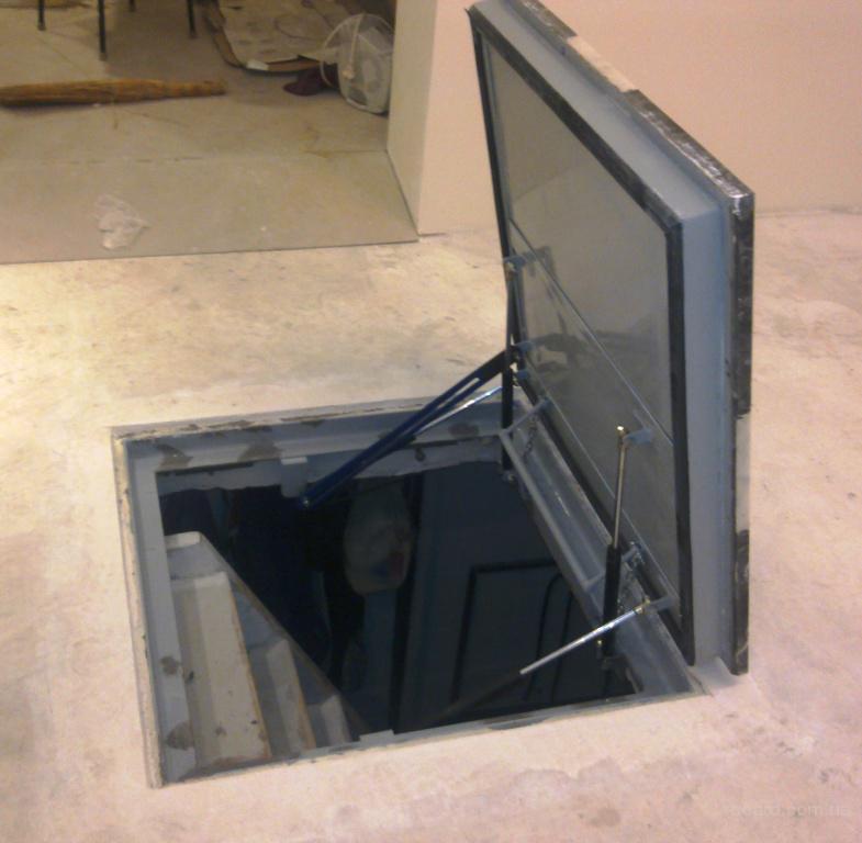 Дадим несколько простых рекомендаций, как правильно сделать подвал в доме или на даче.  Как правило, подвал в доме...