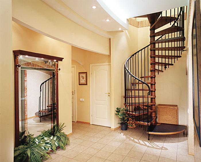 Интерьер лестницы в доме фото 3