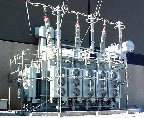 Силовые трансформаторы, установленные на электростанциях и электрических подстанциях, предназначены для превращения...