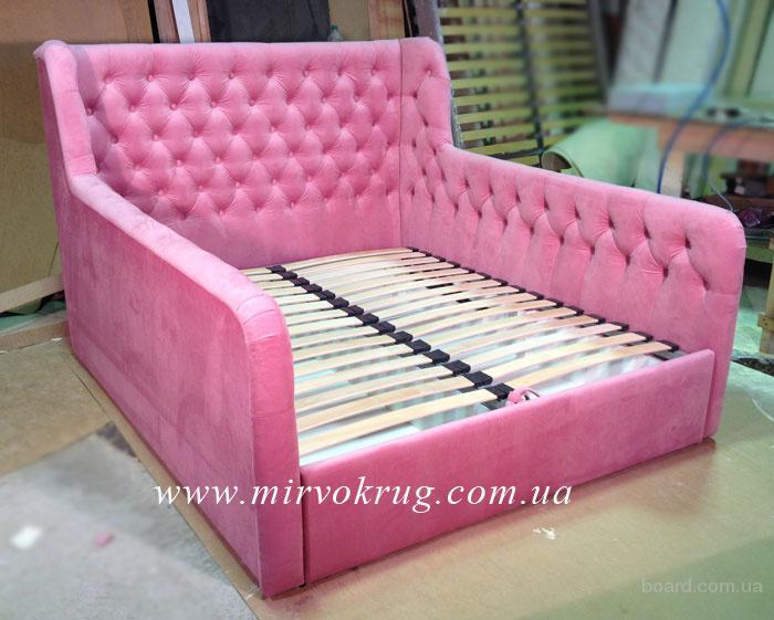 Кровать розовая для девочки со спинками