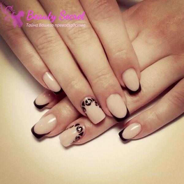 Дизайн наращивания ногтей нежный