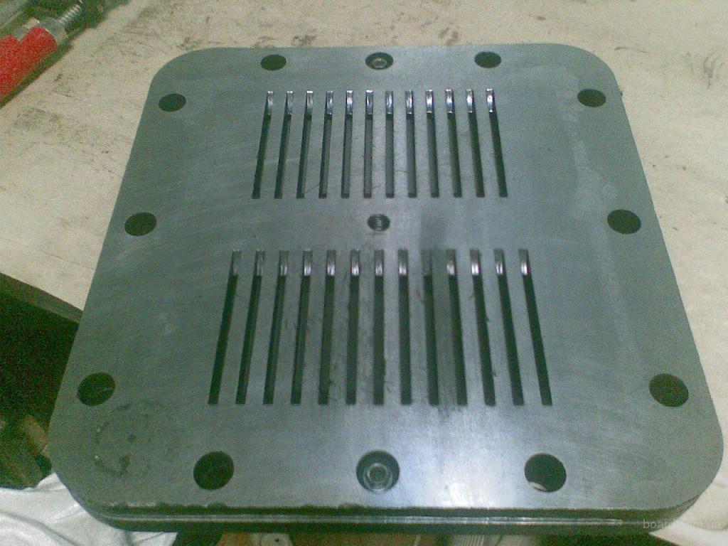 Клапанная доска компрессора. Возможен ремонт, восстановление.