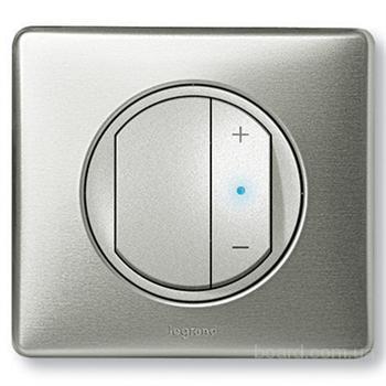 Диммер представляет собой несложный прибор, позволяющий вам управлять световым.