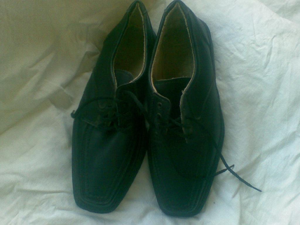 Туфли новые кожаные для мальчика 34-35 размер
