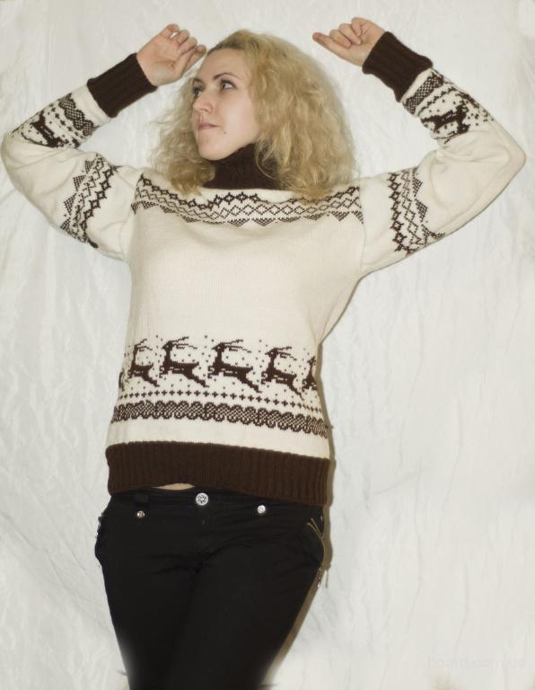 свитер мужской с оленями связать. схема вязки рисунка оленя.