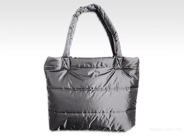 В ... вязаные клатчи, и объемные дутые сумки.  Последние.