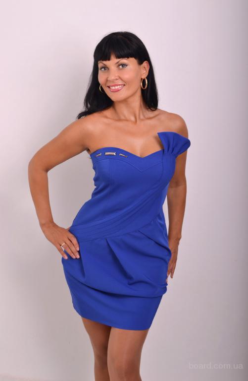 ...разработаны и доведены до совершенства сотни моделей платьев, блузок.