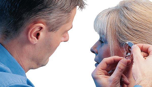 Чем вредны бесплатные слуховые аппараты