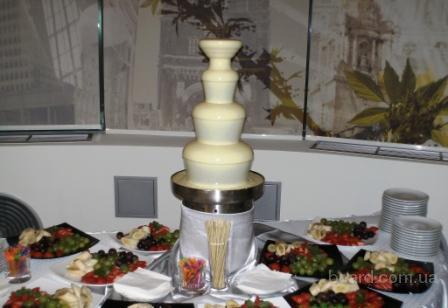 Аренда шоколадных фонтанов и фонтанов для напитков.
