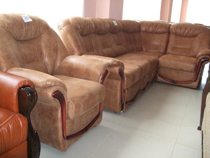 Описание: Продаётся раскладной мягкий уголок с креслом - Мягкая мебель.