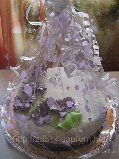 Свадебный торт с сиреневыми орхидеями