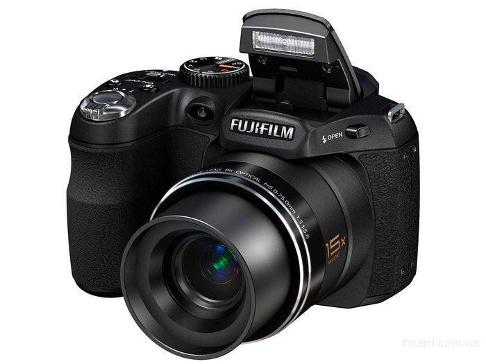 Продам цифровую фотокамеру Fujifilm FinePix S1600