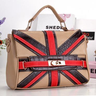 Оптом сумки из Китая.  Недорого.  Более 150 ассортиментов сумок.