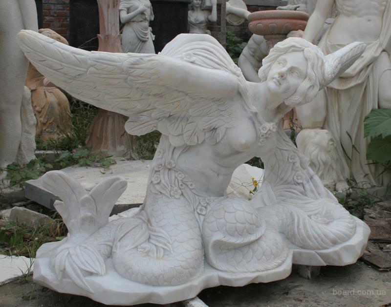 Парковая скульптура из мрамора.
