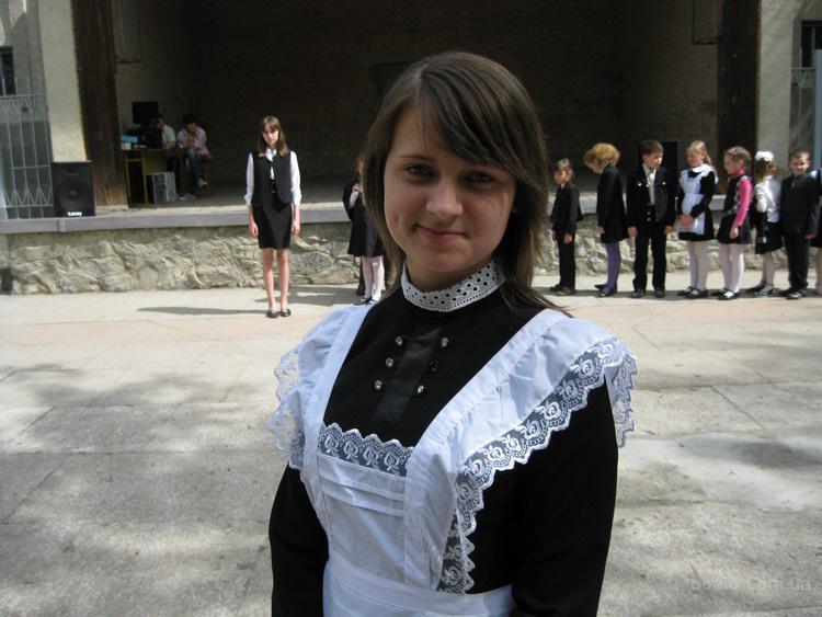 Платья на выпускной вечер - Мой куртки, выкройка панамы и . выкройка школьного фартука на выпускной. рисунки для...