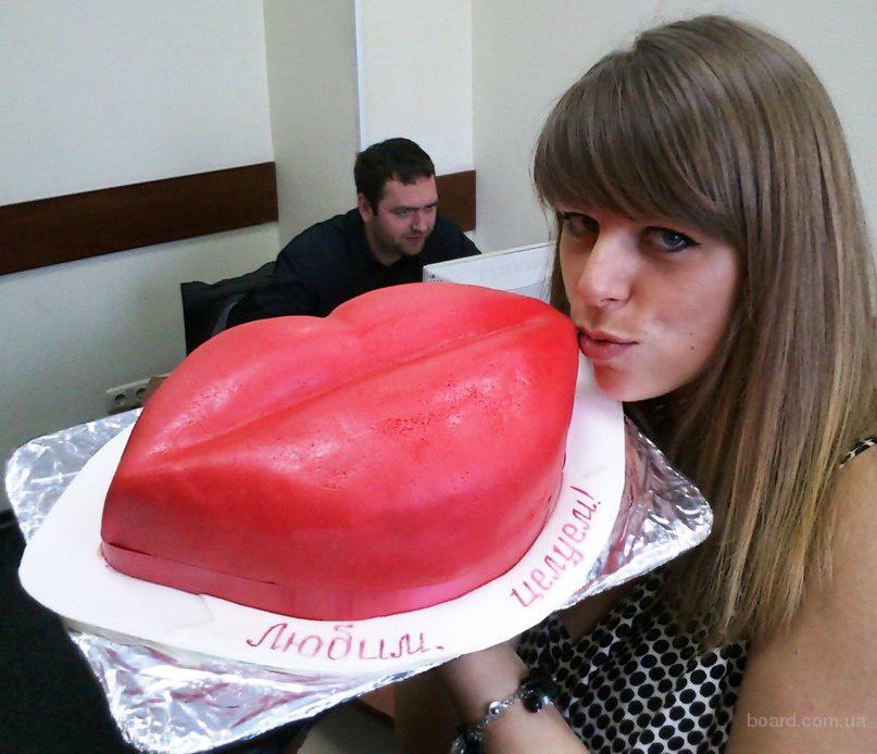 Торт в виде губ