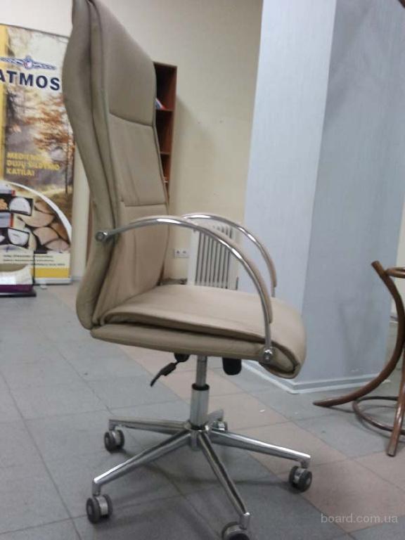 Продаю офисные кресла б/у. - продам