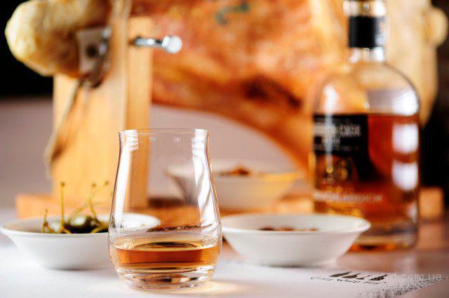 Элитные алкогольные напитки под заказ: Виски Markers Mark 435грн Виски...