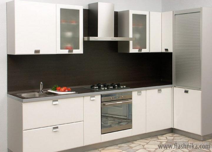 Угловые кухни от мебельной фабрики Flash Nika
