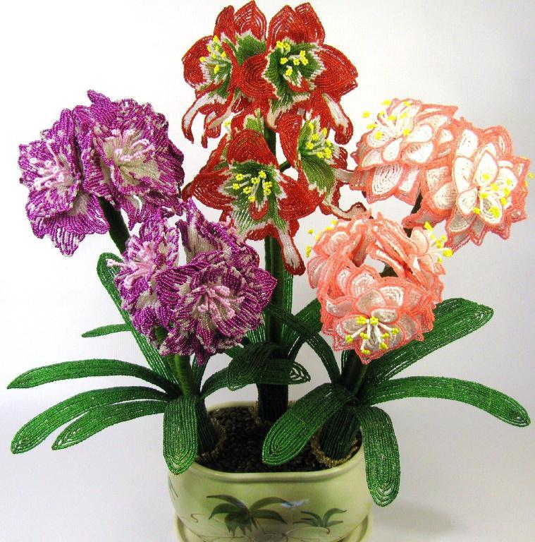 Популярные изображения по запросу Цветы из бисера Выставка продажа Деревья и цветы из бисера.