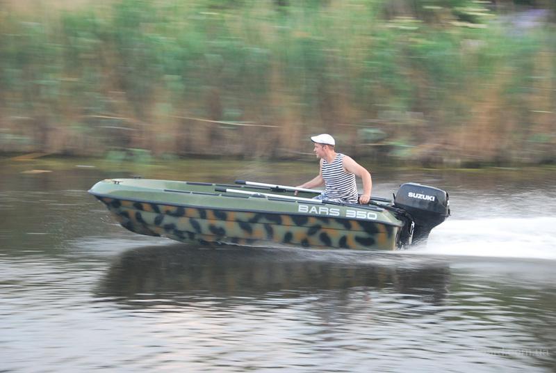 лодка пластиковая для рыбалки барс