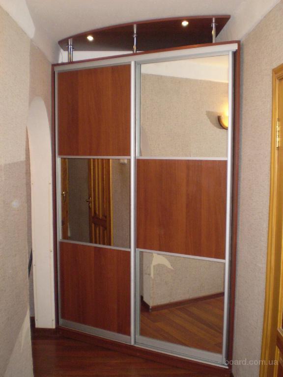 76Встроенные шкафы для мансарды