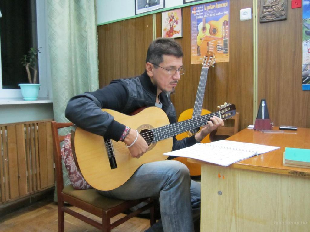 Репетитор-уроки игры на гитаре.м Шулявская.Лукьяновская.Берестейская,Дорогожичи.
