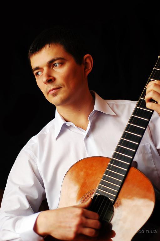 Черновецкая область г.Кельменцы.Даю уроки игры на гитаре.