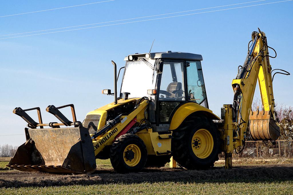 Купить Экскаватор эо-2626 на базе трактора мтз 92П 2011г.