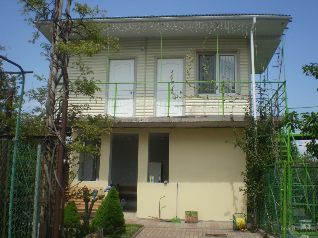 Сдам посуточно, отдыхающим, коттедж с двумя комнатами  в Одессе возле моря.