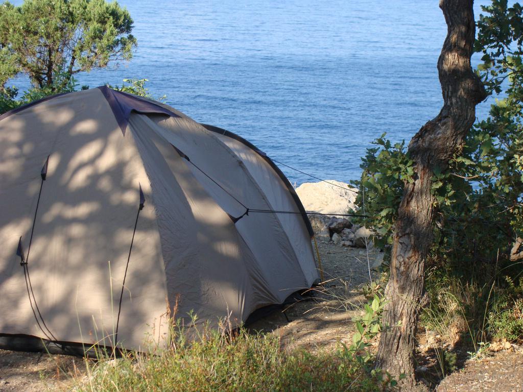 Палаточный лагерь у моря ( Крым, Ласпи) предлагаю в ...: http://www.bizator.ru/board/m0412-2000486589-palatochnyij-lager-u-morya-kryim-laspi.html