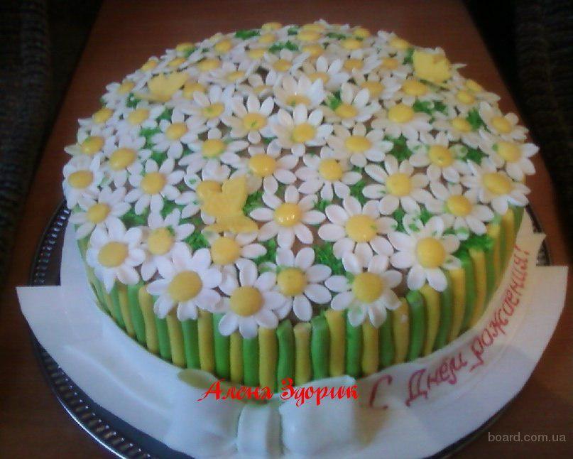 Торт с ромашками