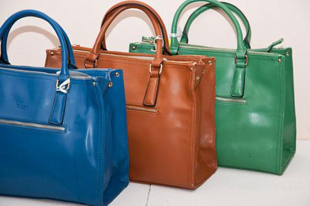 Купить оптом женские сумки польского производства в Москве.