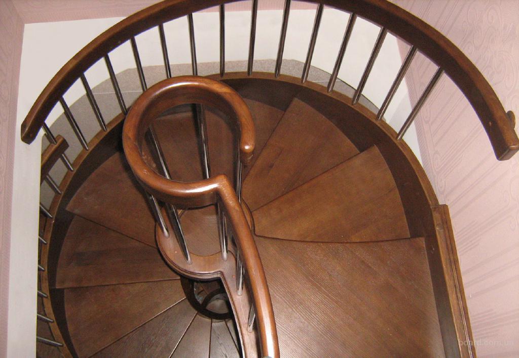 """Леонид Викторович.  ПП  """"Кондратюк """" пропонує інтер′єрні сходи різних форм..."""