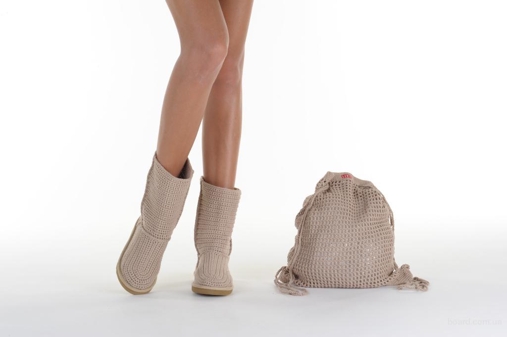 Вязаные сапожки - очень миленькие модели от LIVS.  Галина Новикова.