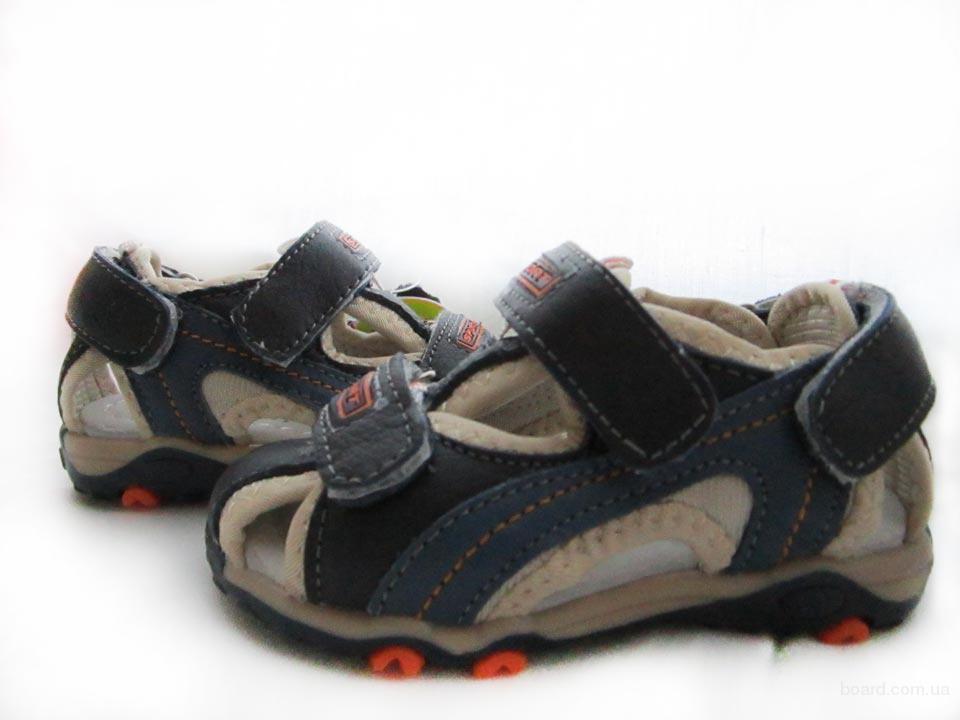 Выставка детской обуви и одежды