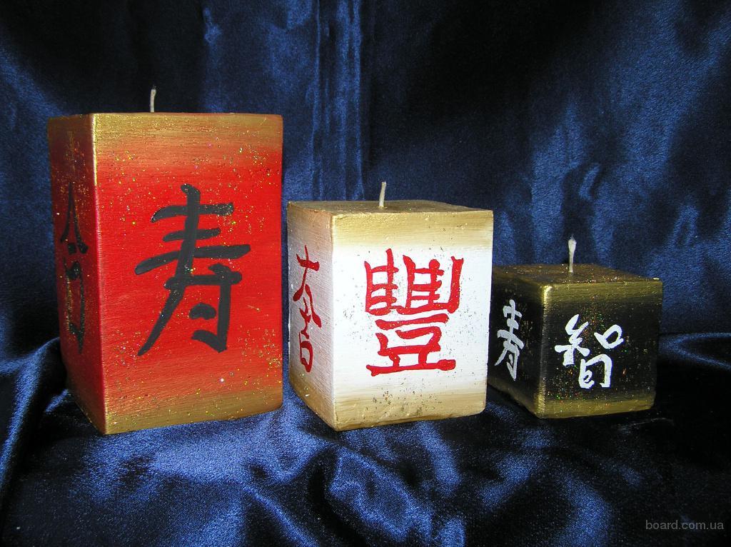 Декоративные свечи различных стилевых и тематических направлений