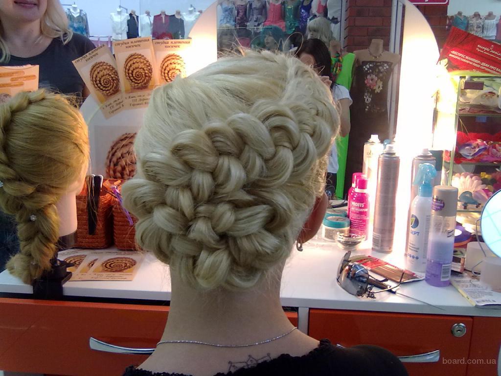 Прическа с элементами плетения на средний волос