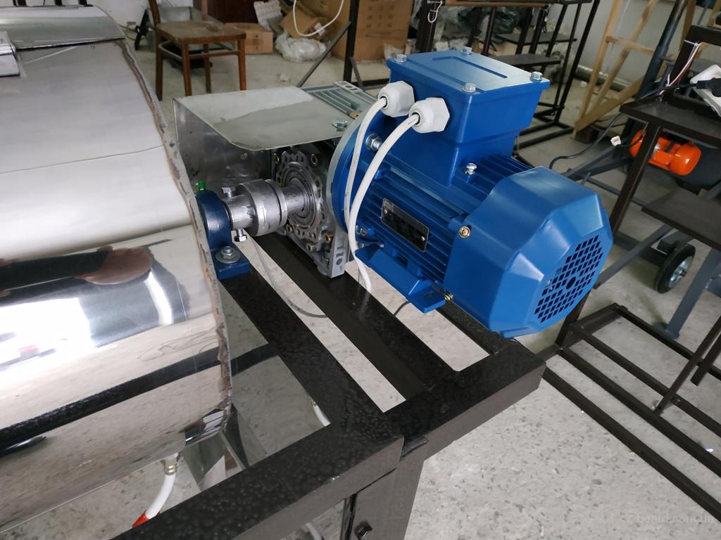 Печь для обжарки семечек и сушки производительностью 70кг/час на газу.