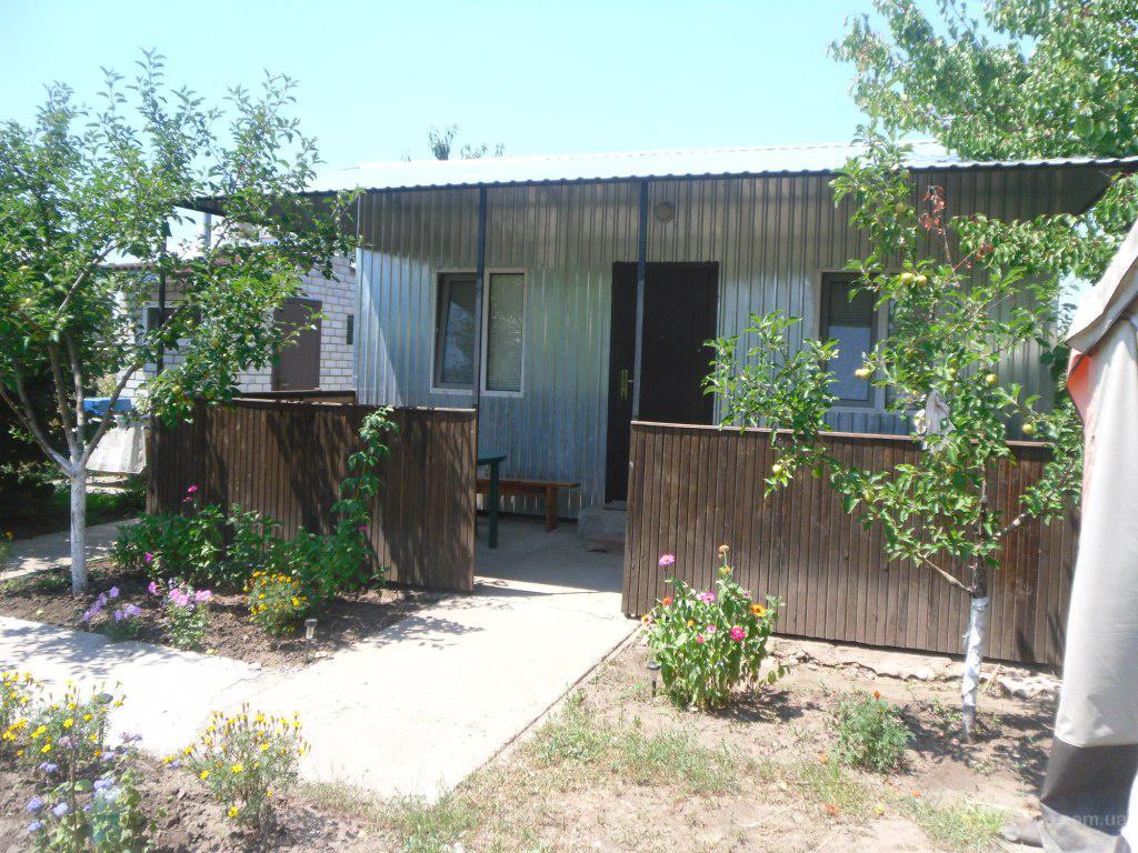 Сдаём 2х комнатный домик в Каролино-Бугаз -  400 грн!