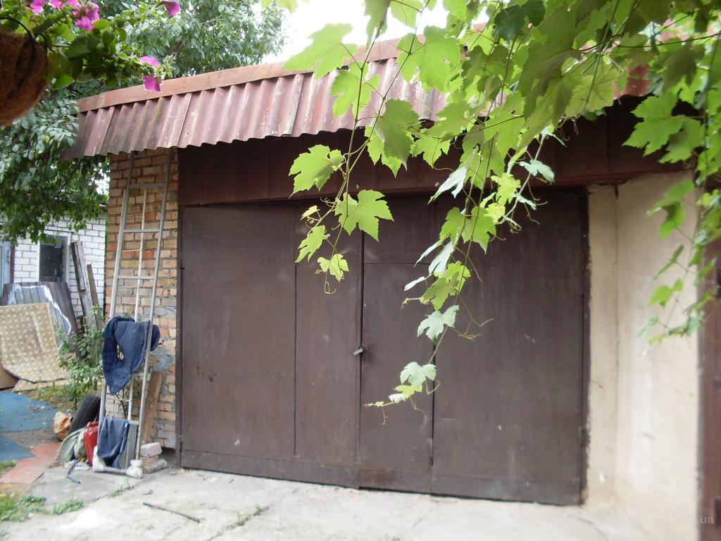Фото гаражей во дворе частного дома