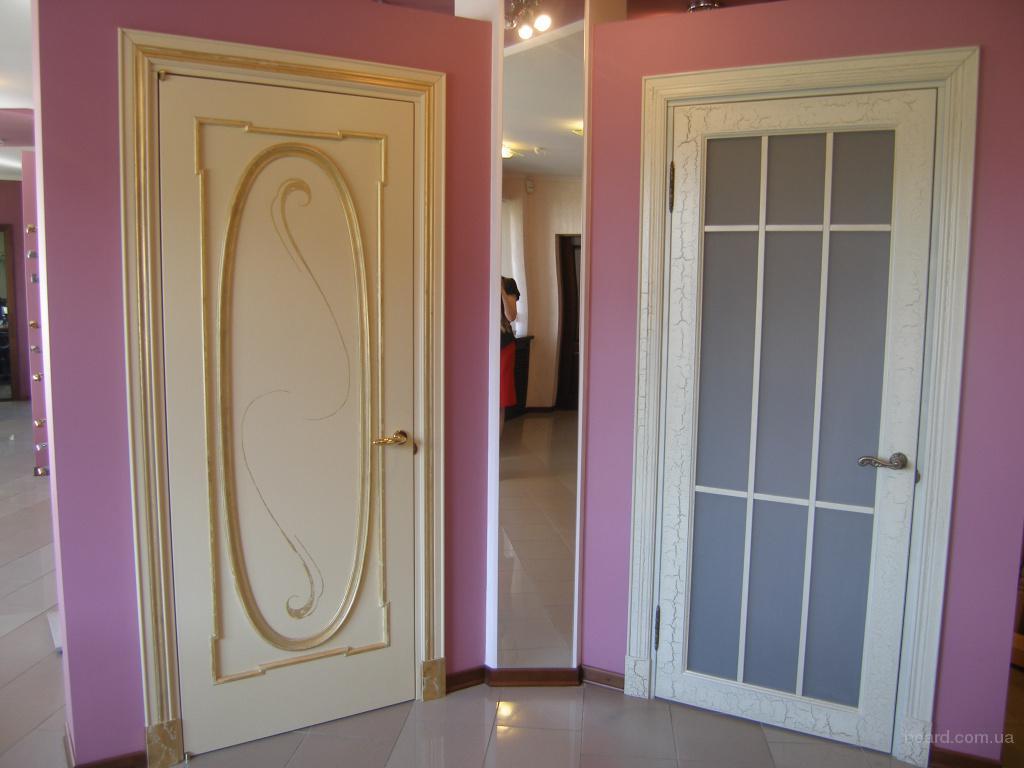 Деревянные окна двери лестницы