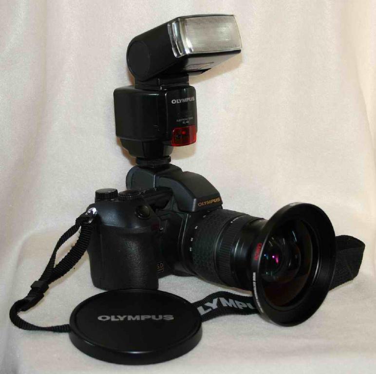 Продам Digital Camera Olympus E-20P Редкикй комплект