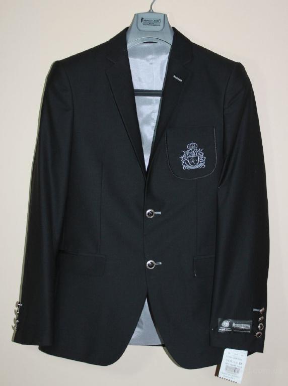 Новая коллекция костюмов и пиджаков