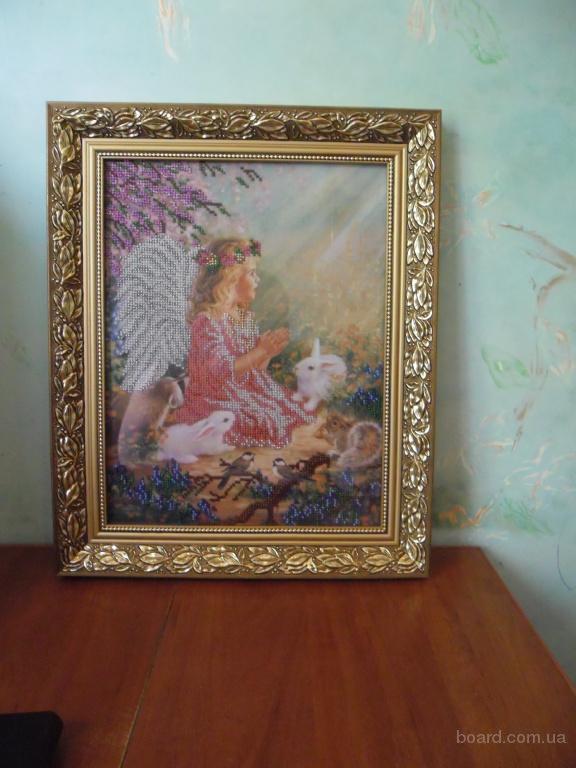 """800.00 грн.  Вышивка бисером  """"Ангел """" ручной работы вышитая Чешским бисером.  Установлена в рамку в багетной..."""