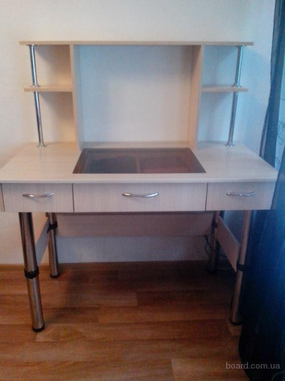 Продам письменный стол б/у сделанный на заказ продам в киев,.