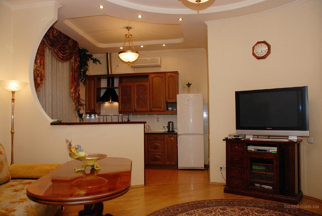 3-комнатная с евроремонтом м.Лукьяновка 5 мин.