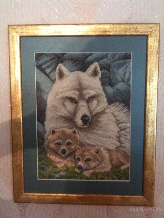 Волчица с волчатами - вышивка