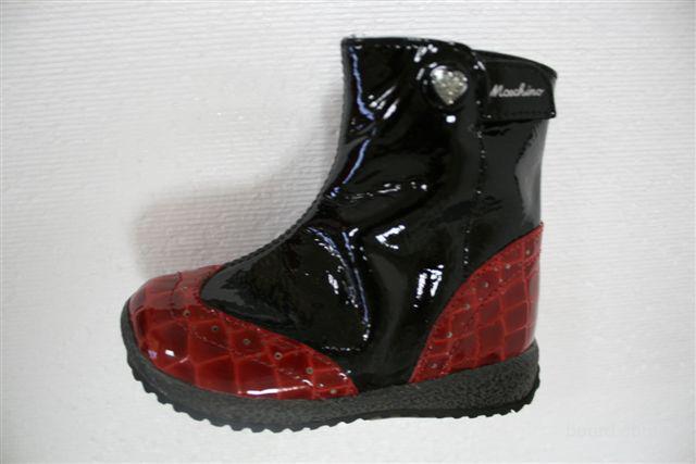 2a19d7581174 Moschino.Детская обувь-сток из Италии. - продам. Цена 18 Евро купить ...